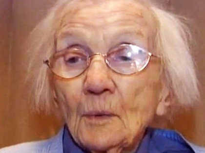 96-year-old Puts Her House for Sale, Until Agent Sees What's Inside